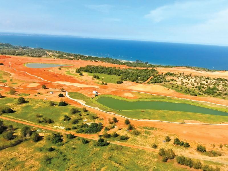 Sân golf Nova PGA Ocean (thuộc Dự án NovaWorld Phan Thiết) đã hoàn thiện phần tạo hình và đang trồng cỏ, dự kiến đưa vào hoạt động tháng 12/2020.