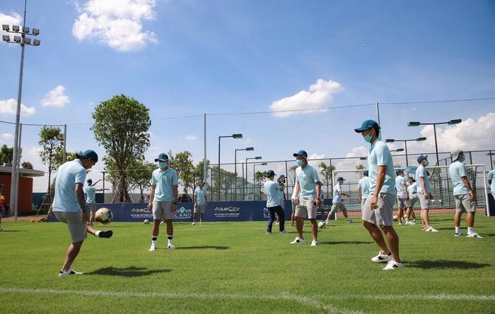 SaiGon FC đã đến chứng kiến lễ động thổ và trải nghiệm sân bóng đạt chuẩn quốc tế tại Aqua City