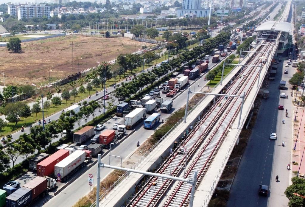 Toàn tuyến Metro số 1 (Bến Thành – Suối Tiên) đã đạt 76% khối lượng thi công và dự kiến được đưa vào vận hành khai thác cuối năm 2021