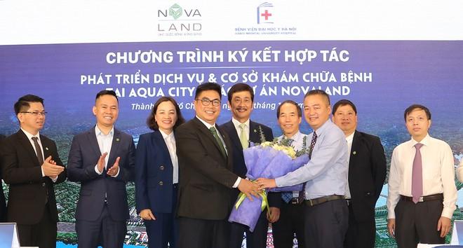 Bệnh viện Đại học Y Hà Nội sẽ tư vấn và tổ chức chương trình đào tạo chuyên môn cho nhân sự, thực hiện việc chuyển giao công nghệ y dược cho Bệnh viện Đa khoa tại Aqua City