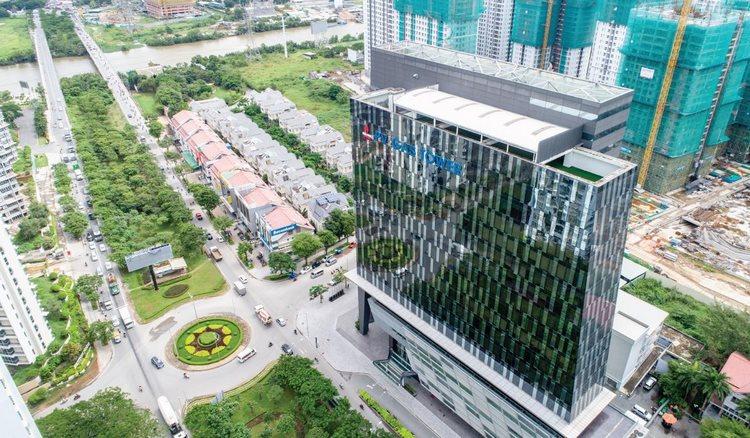 Đoạn đường Nguyễn Hữu Thọ vừa qua cầu Rạch Đĩa vào xã Phước Kiển, Nhà Bè.