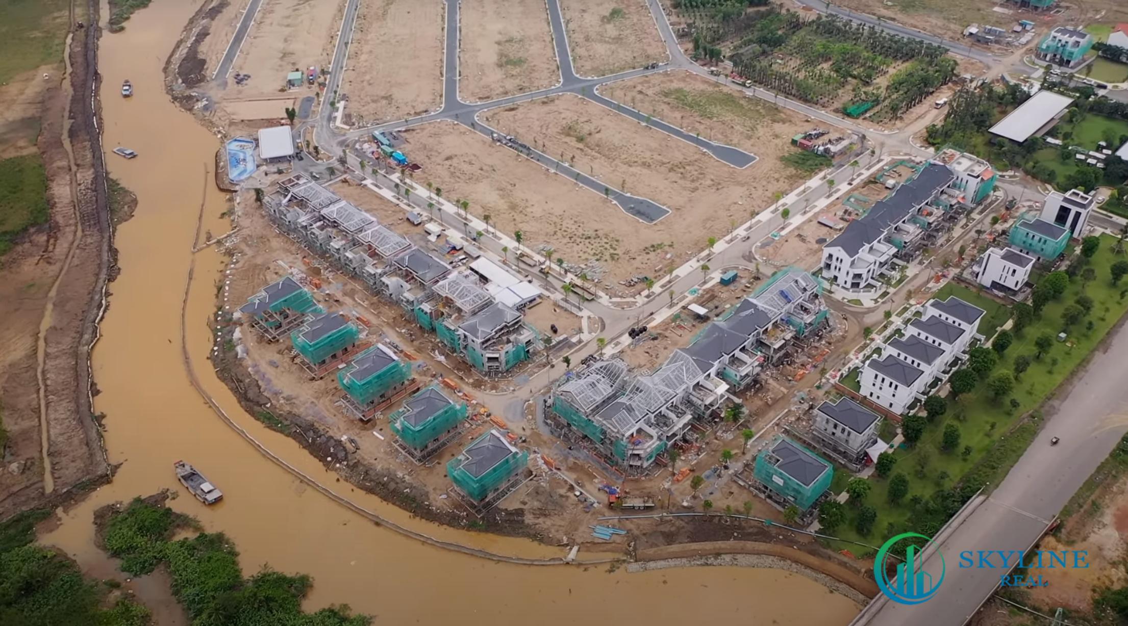 Tiến độ Aqua City chủ đầu tư Novaland - Hệ thống kè bờ sông phân khu The Suite đang được hoàn thiện
