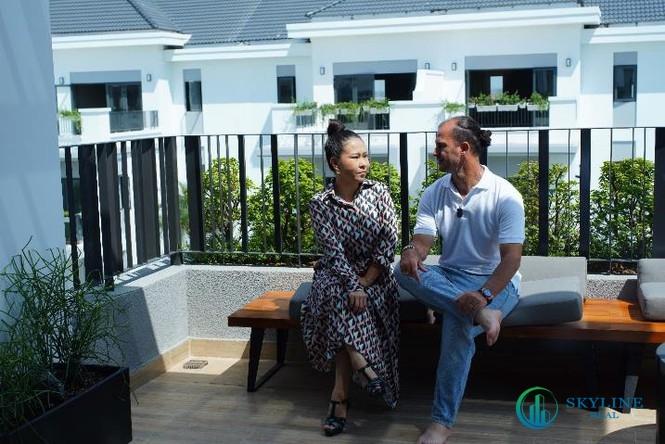 Khoảnh khắc hạnh phúc của hai vợ chồng Kesley Huỳnh