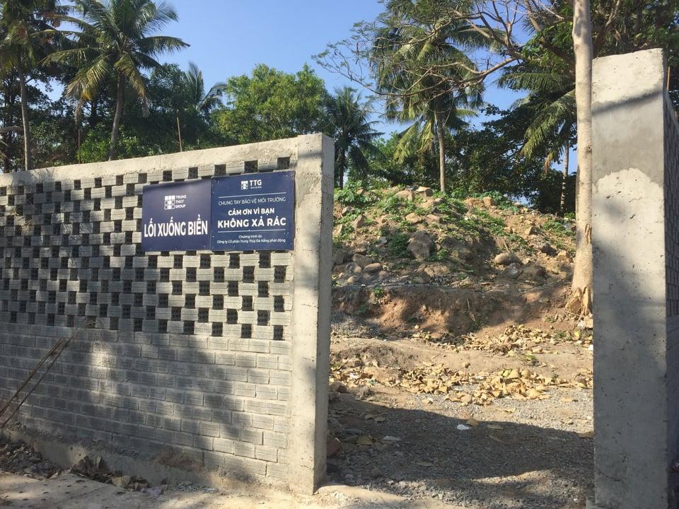 Công ty CP Trung Thủy cam kết và đã mở lối đi xuống biển dành cho người dân