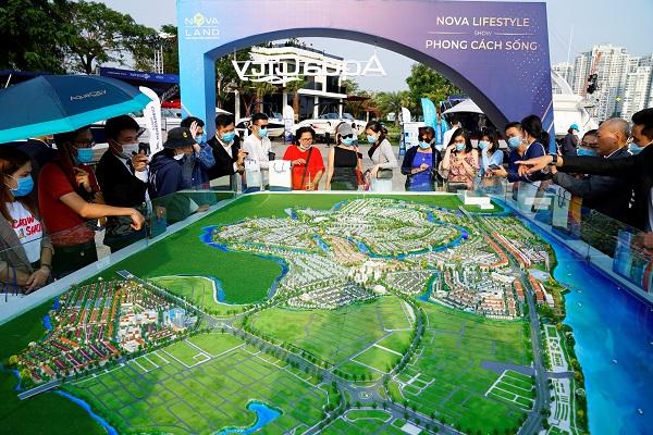 Khách hàng tham quan Biệt thự mẫu PGA Golf Villas – NovaWorld Phan Thiet trong Buổi triển lãm du thuyền, ca nô vào tháng 01/2021.