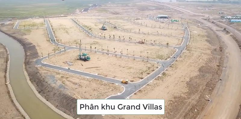 Phân khu Grand Villas đã xây các tuyến đường nội bộ
