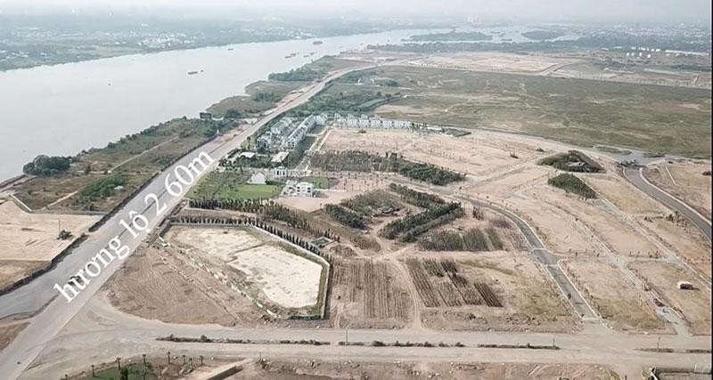 quảng trường trung tâm và bến du thuyền cũng đang được đẩy nhanh tiến độ khởi công xây dựng