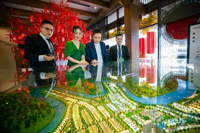 Vợ chồng đạo diễn Victor Vũ – diễn viên Đinh Ngọc Diệp đã lựa chọn Aqua City vì ấn tượng với hệ tiện ích hoàn chỉnh