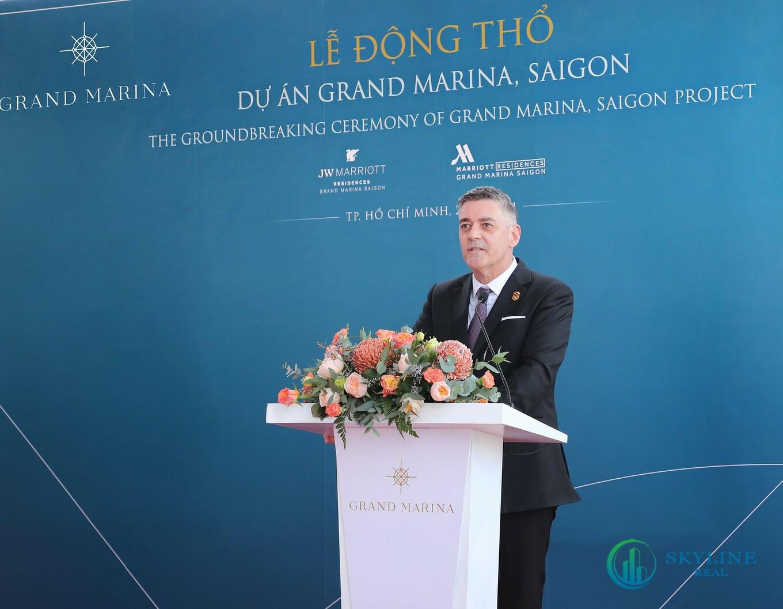 Đại diện Marriott International, Masterise Homes, và các nhà thầu chính của dự án Grand Marina, Saigon gồm An Phong Group, DeltaGroup và Newtecons thực hiện nghi thức động thổ