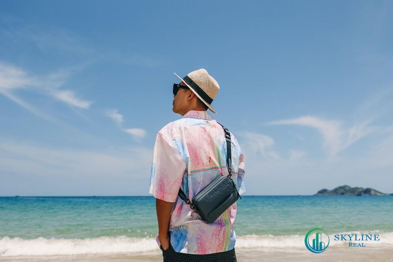Biển là một trong những cảm hứng sáng tạo của Adrian Anh Tuấn.