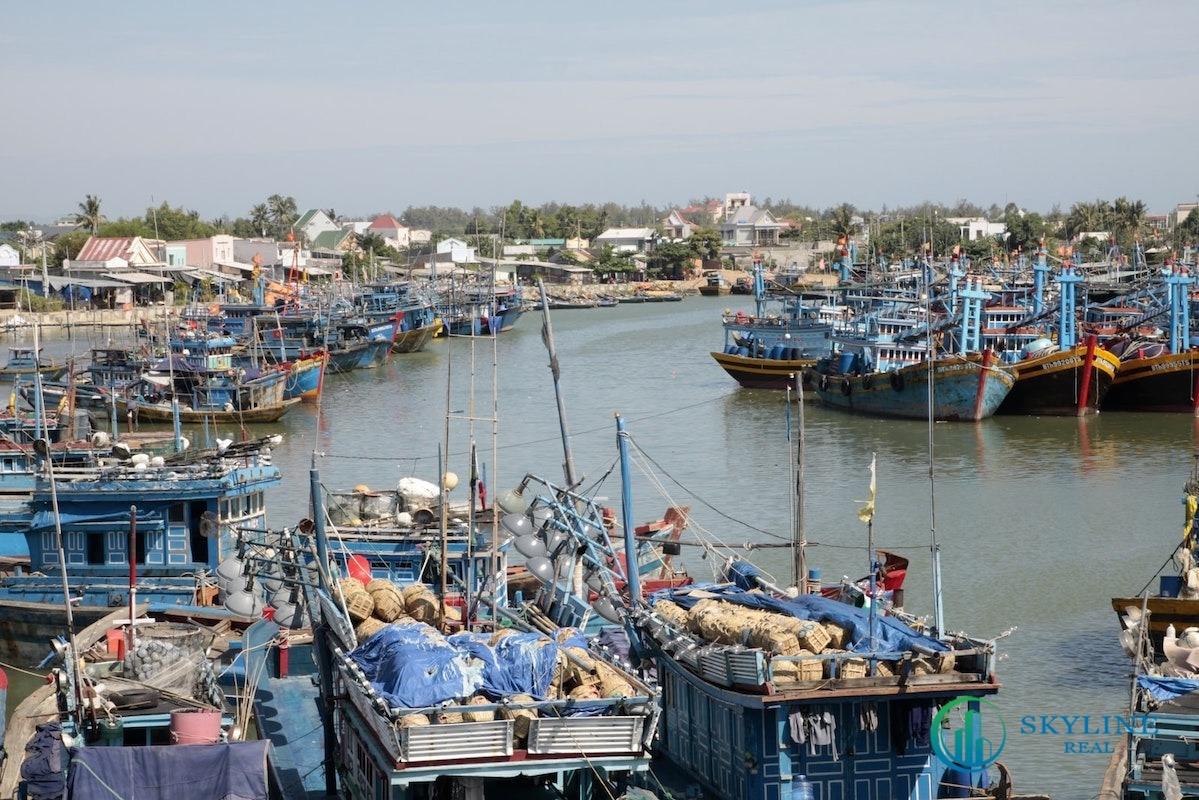 Một cảng cá ở Lagi, Bình Thuận