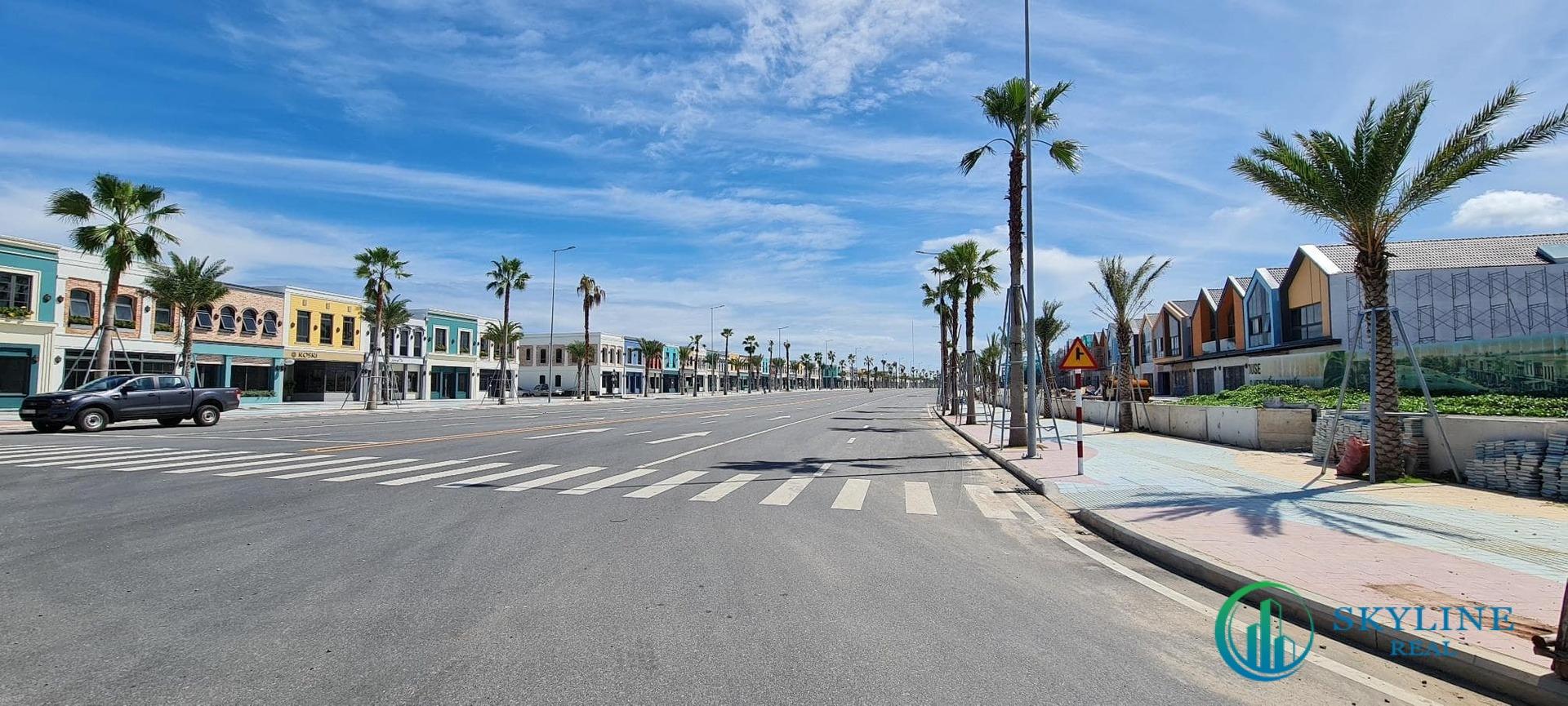 Chuỗi shophouse dọc trục đường ven biển đã mở rộng lên 42 m.